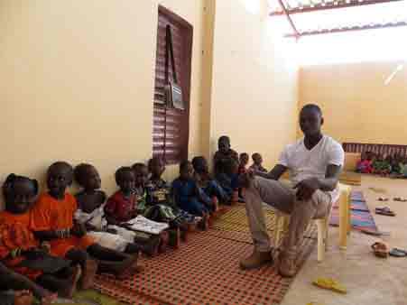 classe-maternelle-instituteur