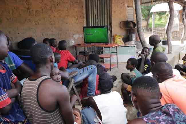 match-de-foot-à-la-télévision